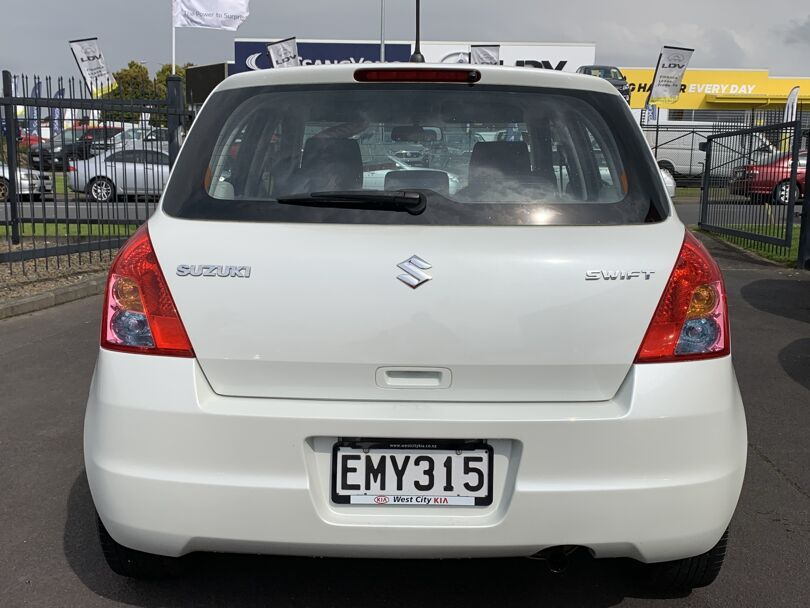 2008 Suzuki Swift 5