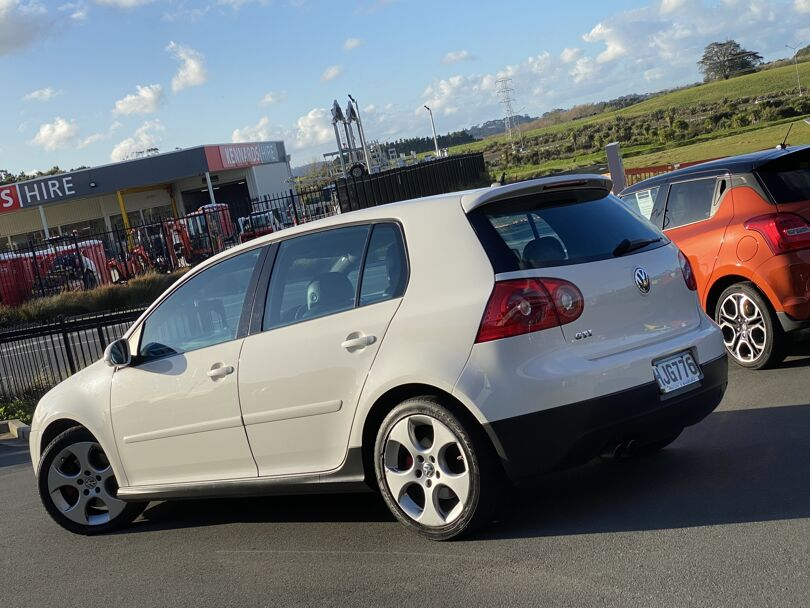 2006 Volkswagen Golf 2