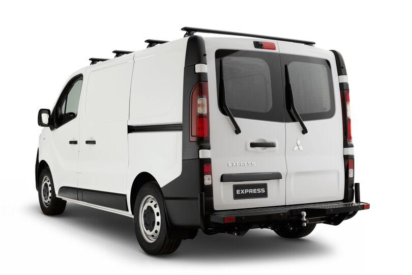2020 Mitsubishi Express 3