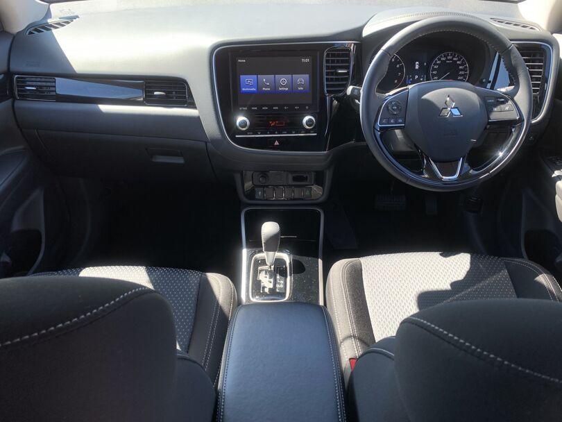 2020 Mitsubishi Outlander 14