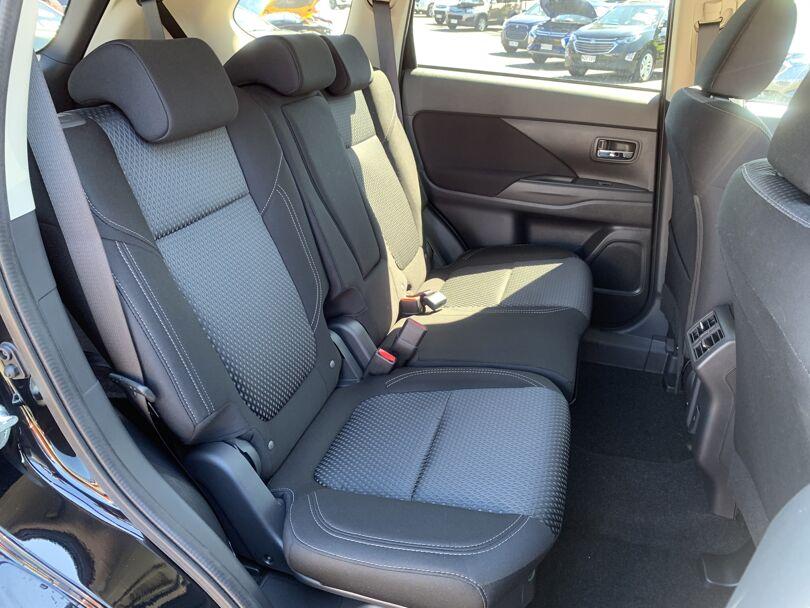 2020 Mitsubishi Outlander 16