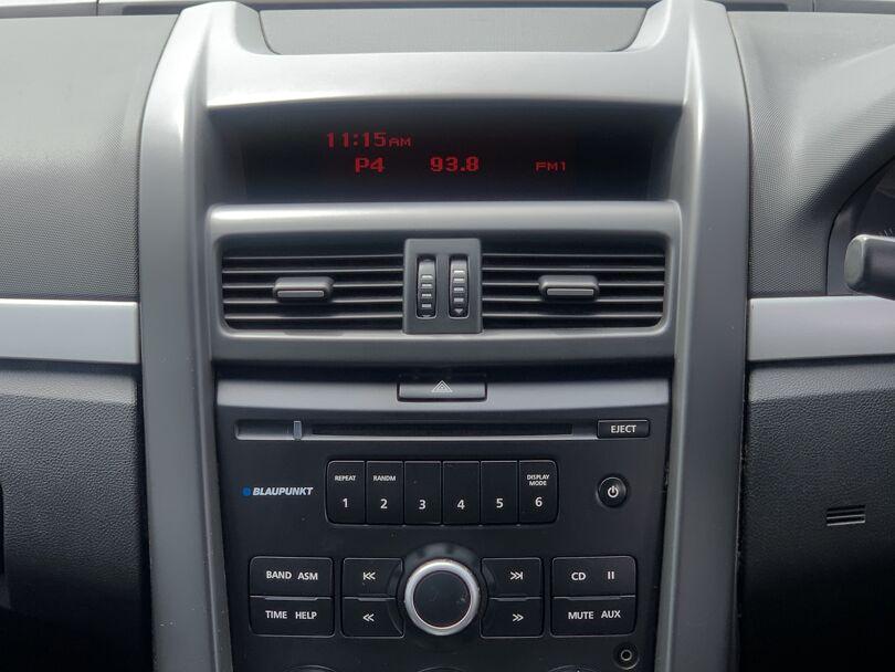 2010 Holden Commodore 10