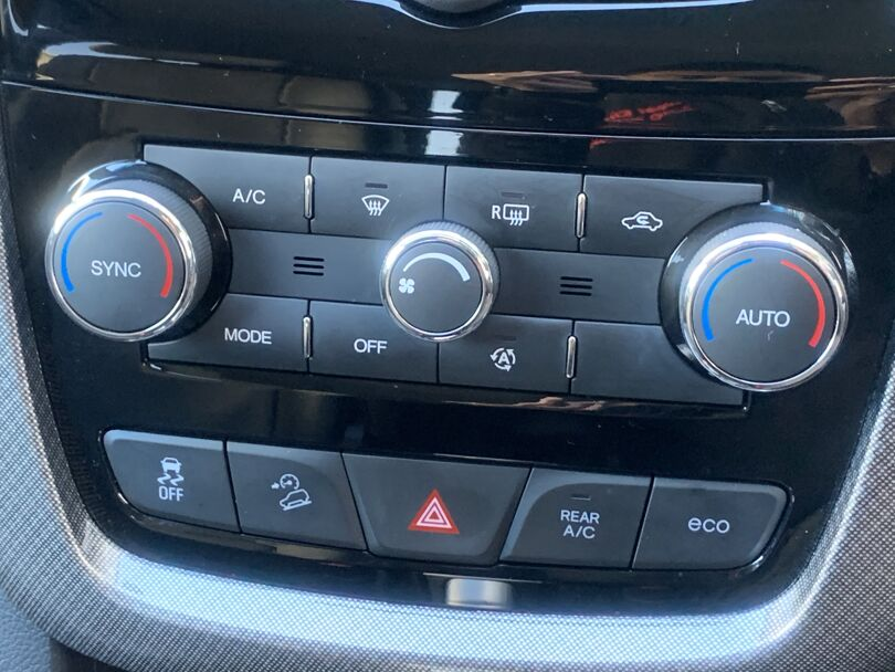 2017 Holden Captiva 10