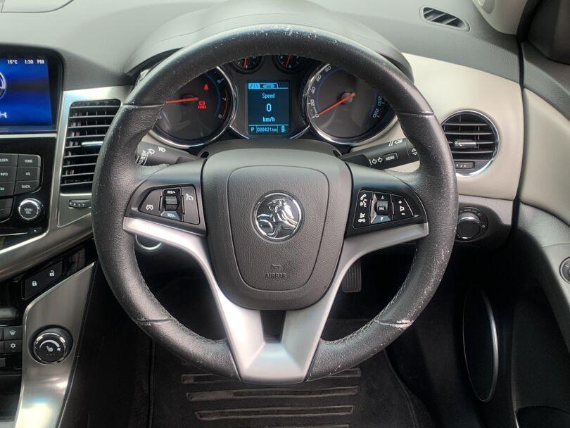 2015 Holden Cruze 8