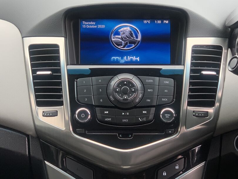 2015 Holden Cruze 9