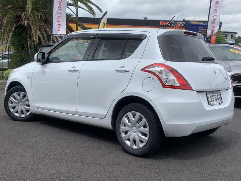 2010 Suzuki Swift 5