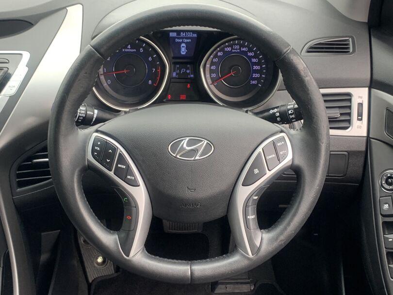 2012 Hyundai Elantra 8