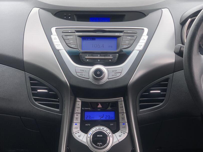 2012 Hyundai Elantra 9