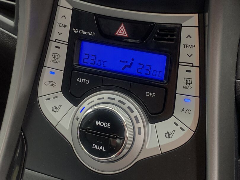 2012 Hyundai Elantra 10