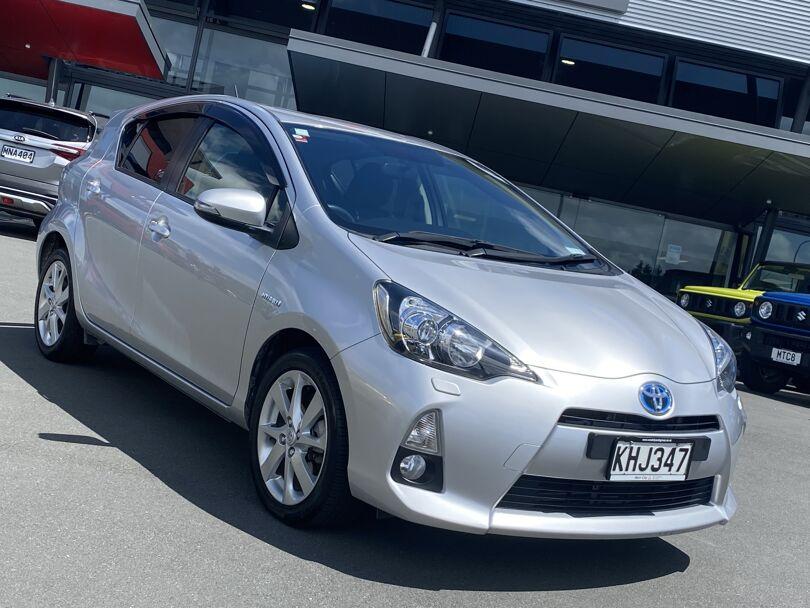 2013 Toyota Prius 6