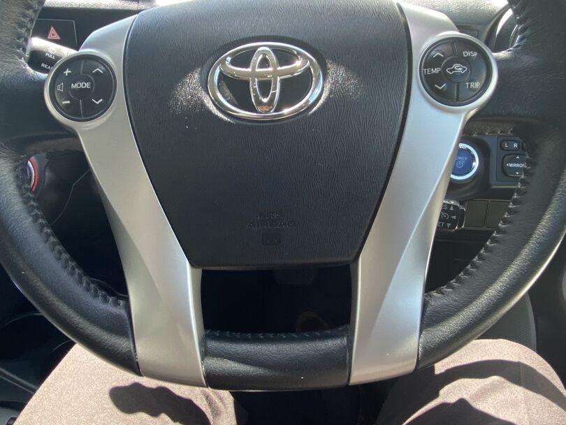 2013 Toyota Prius 10