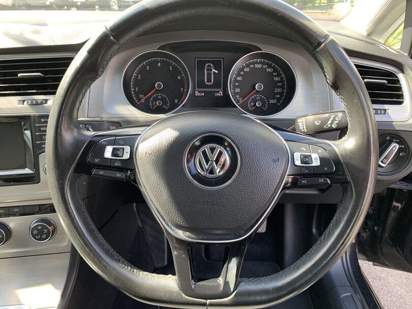 2015 Volkswagen Golf 8