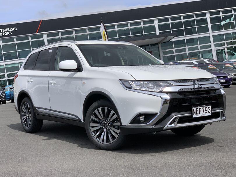 2020 Mitsubishi Outlander 1