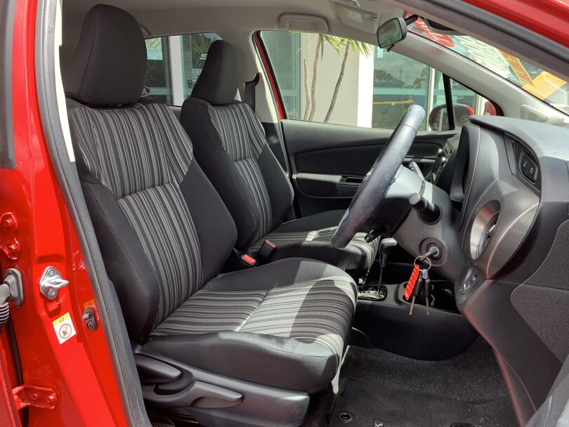 2017 Toyota Yaris 15