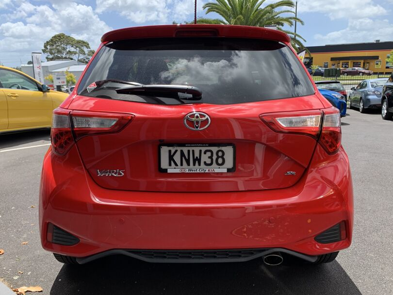 2017 Toyota Yaris 3