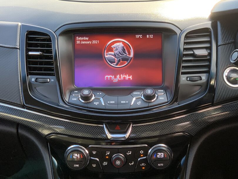 2016 Holden Commodore 10
