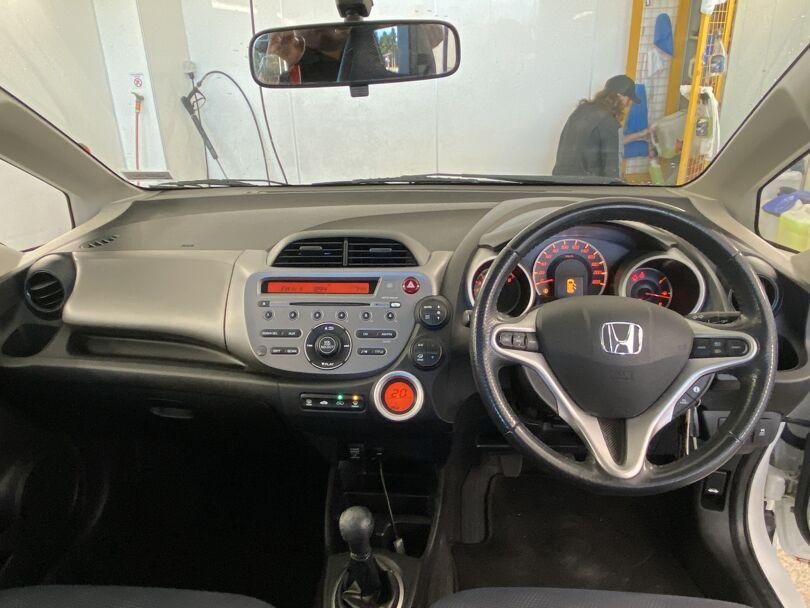 2013 Honda Jazz 13