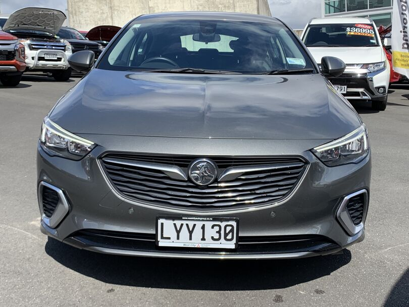 2019 Holden Commodore 2