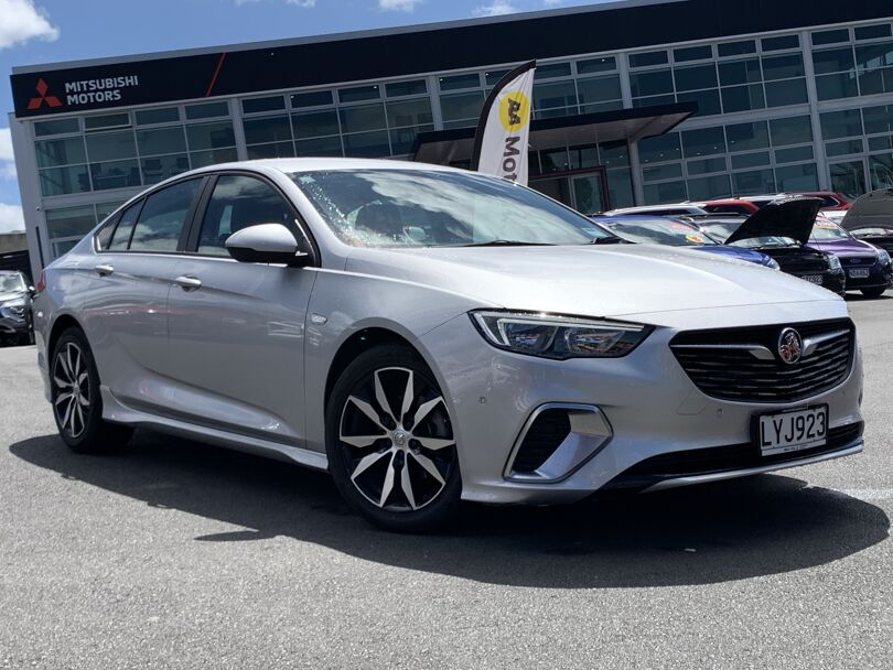 2019 Holden Commodore 1
