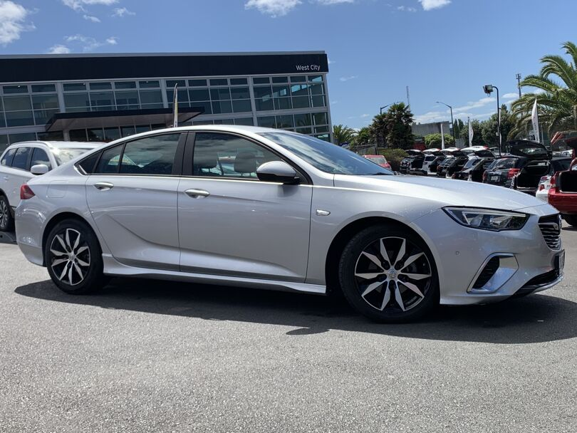 2019 Holden Commodore 4