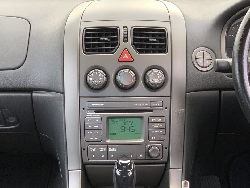 2003 Holden Commodore 6