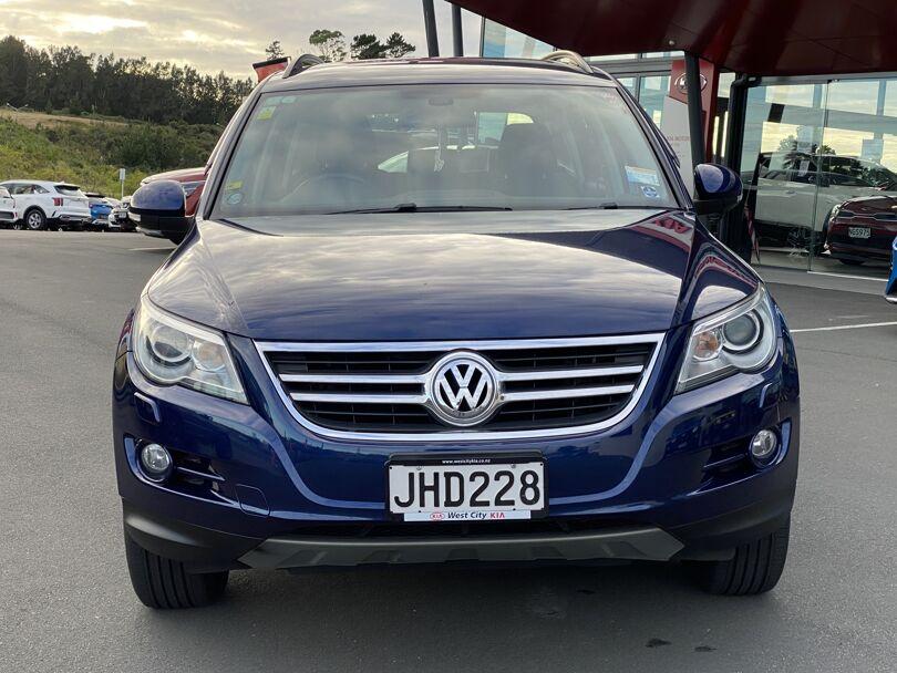 2010 Volkswagen Tiguan 4