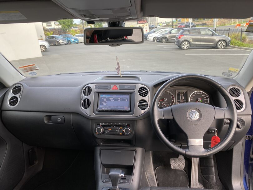2010 Volkswagen Tiguan 11