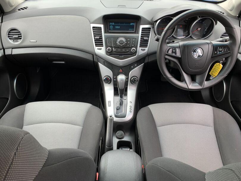 2011 Holden Cruze 10