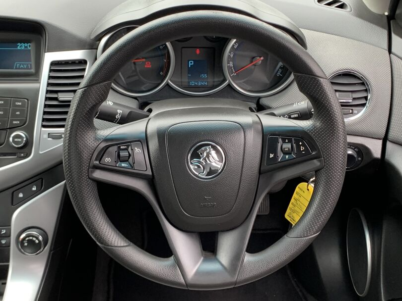 2011 Holden Cruze 8
