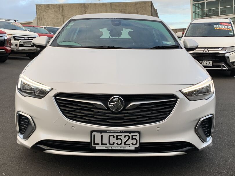 2018 Holden Commodore 2