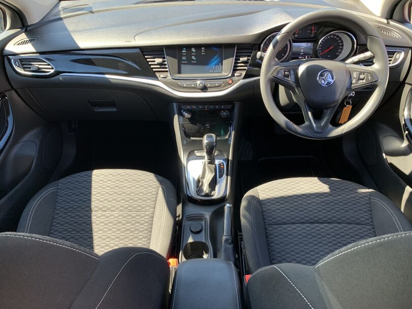 2017 Holden Astra 14