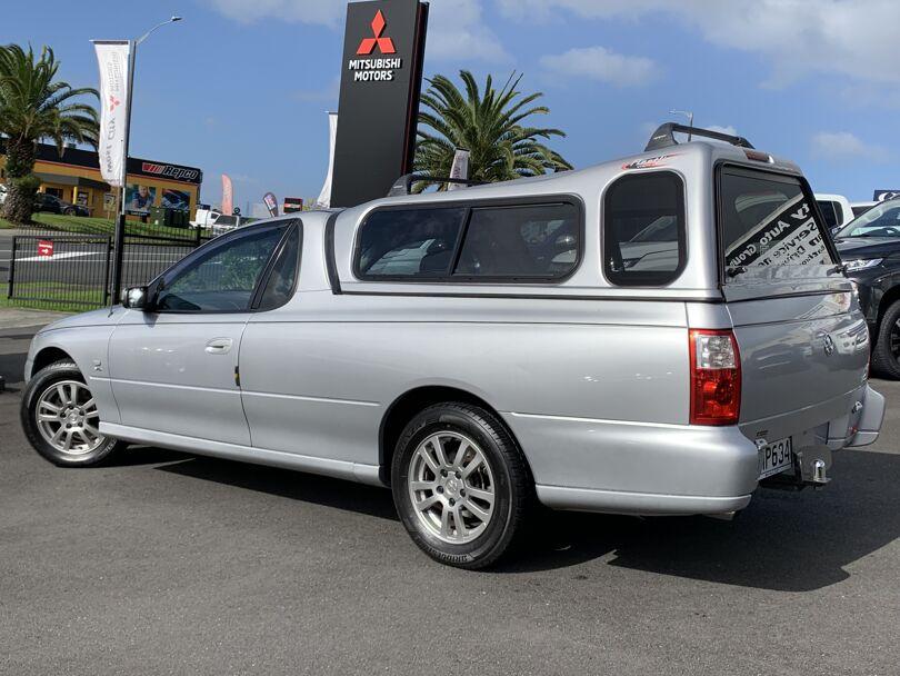 2004 Holden Ute 5