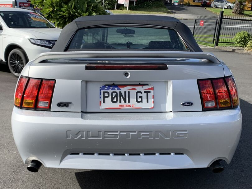 2002 Ford Mustang 3