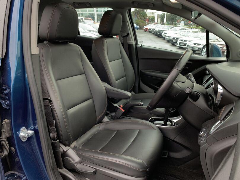 2020 Holden Trax 11