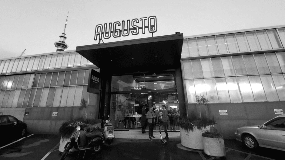 Augusto entrance BW