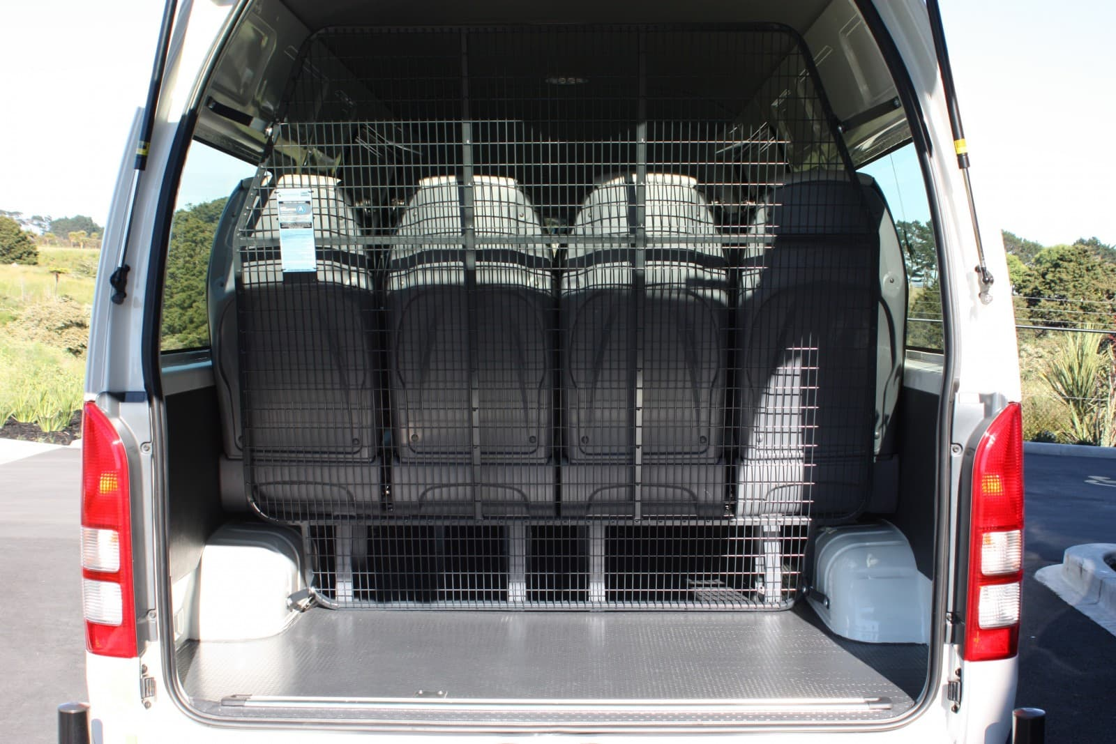 Auto Transform Rear Mesh Cargo Barrier 5