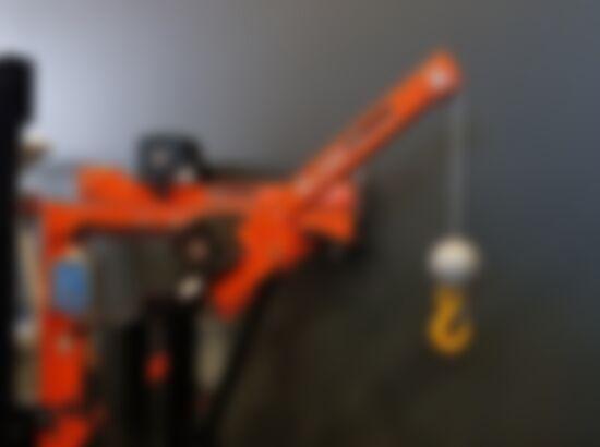 Ute Crane 1_550x410