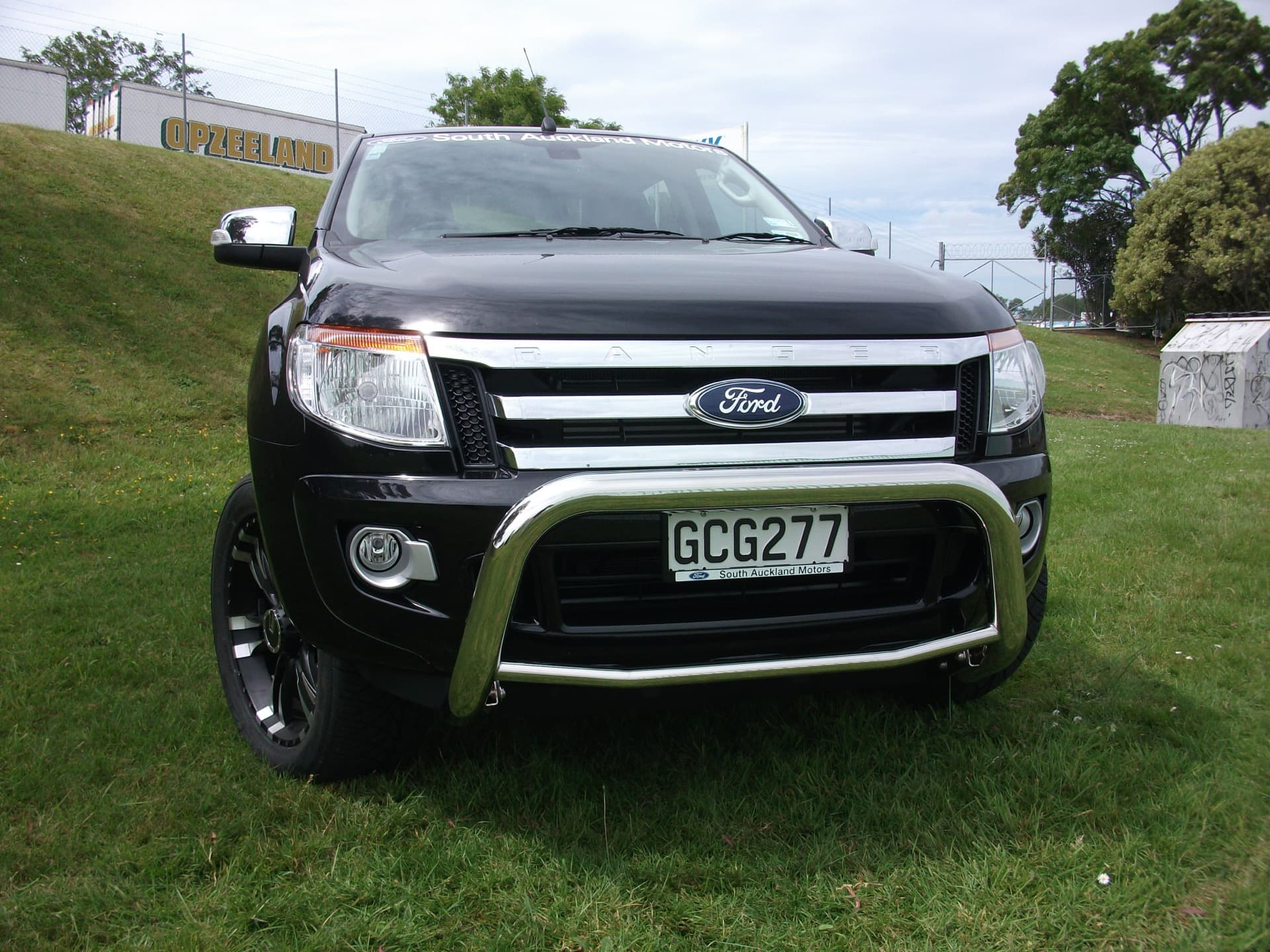 Ford ranger front nudge bar