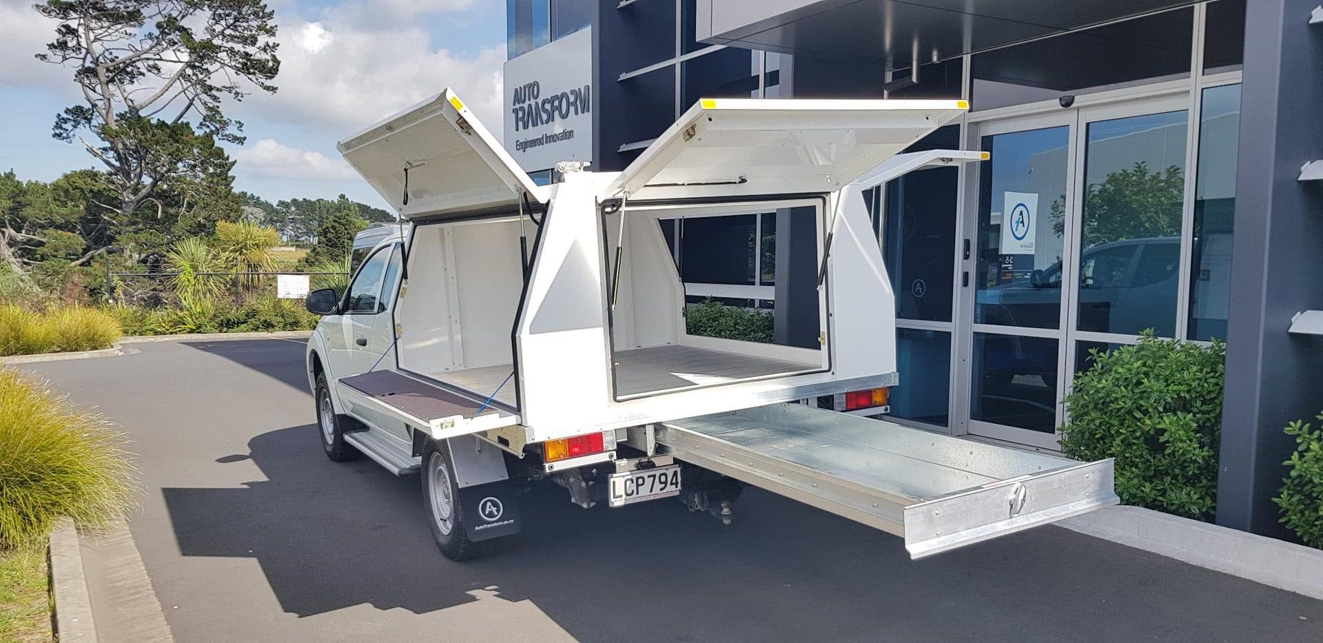 Open ute service body