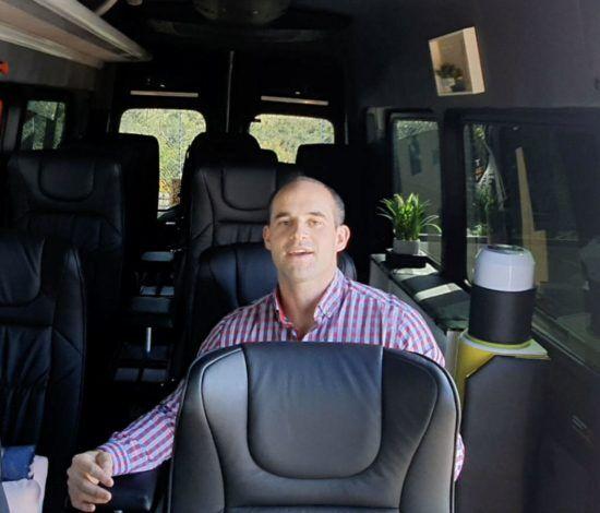 passenger thumb yt v