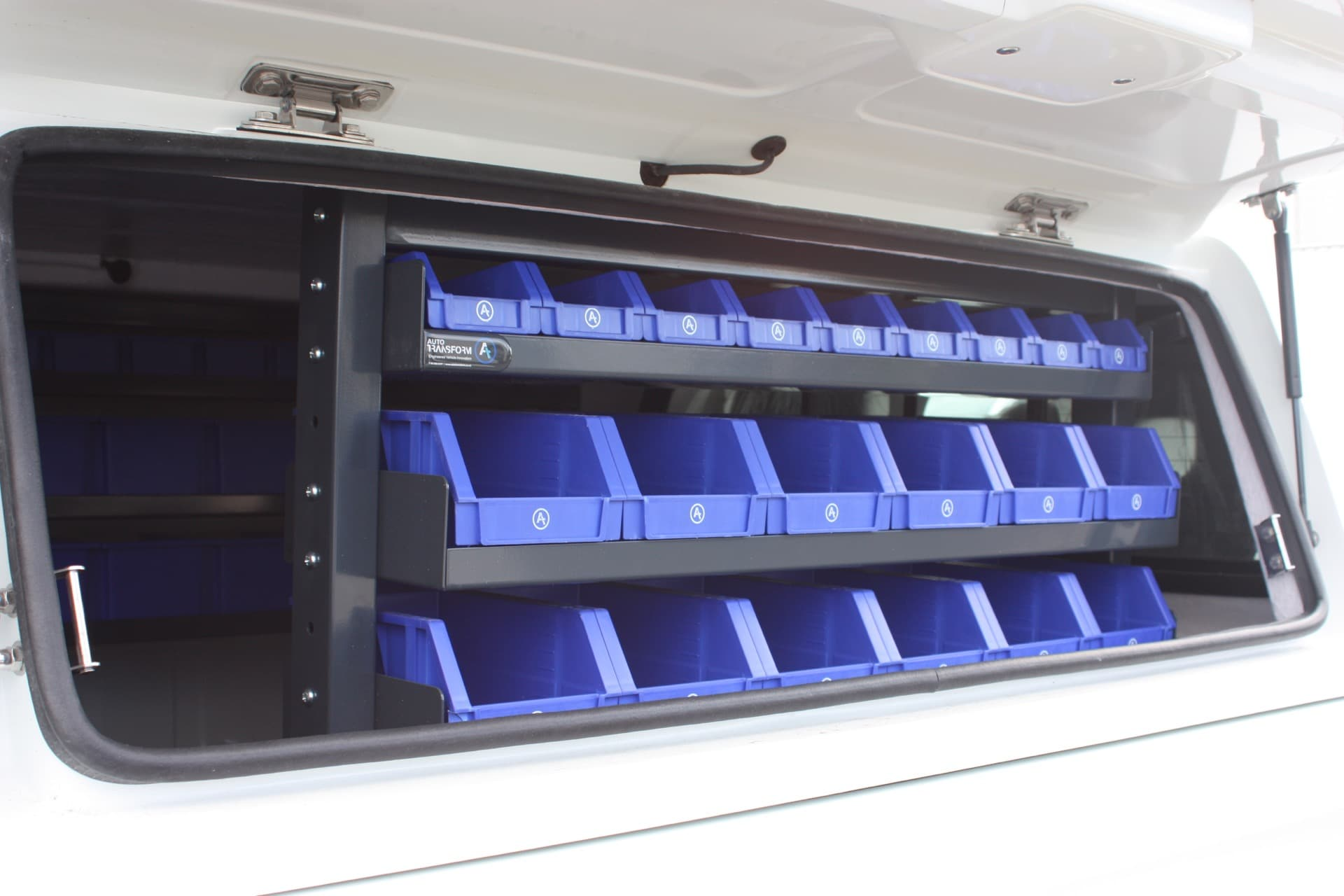 Syncro system tool drawer units for vehicles