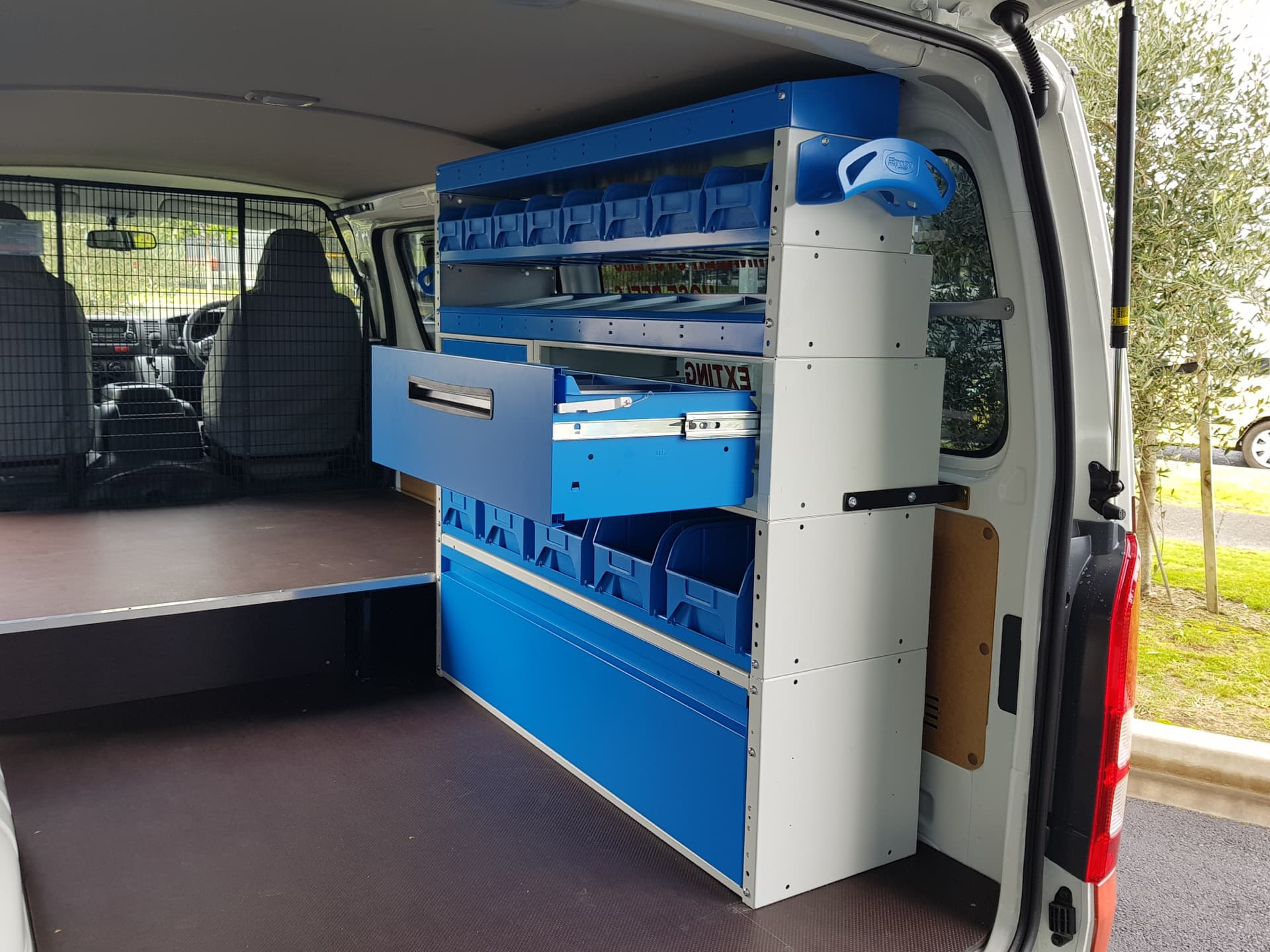Van fitout with storage drawers