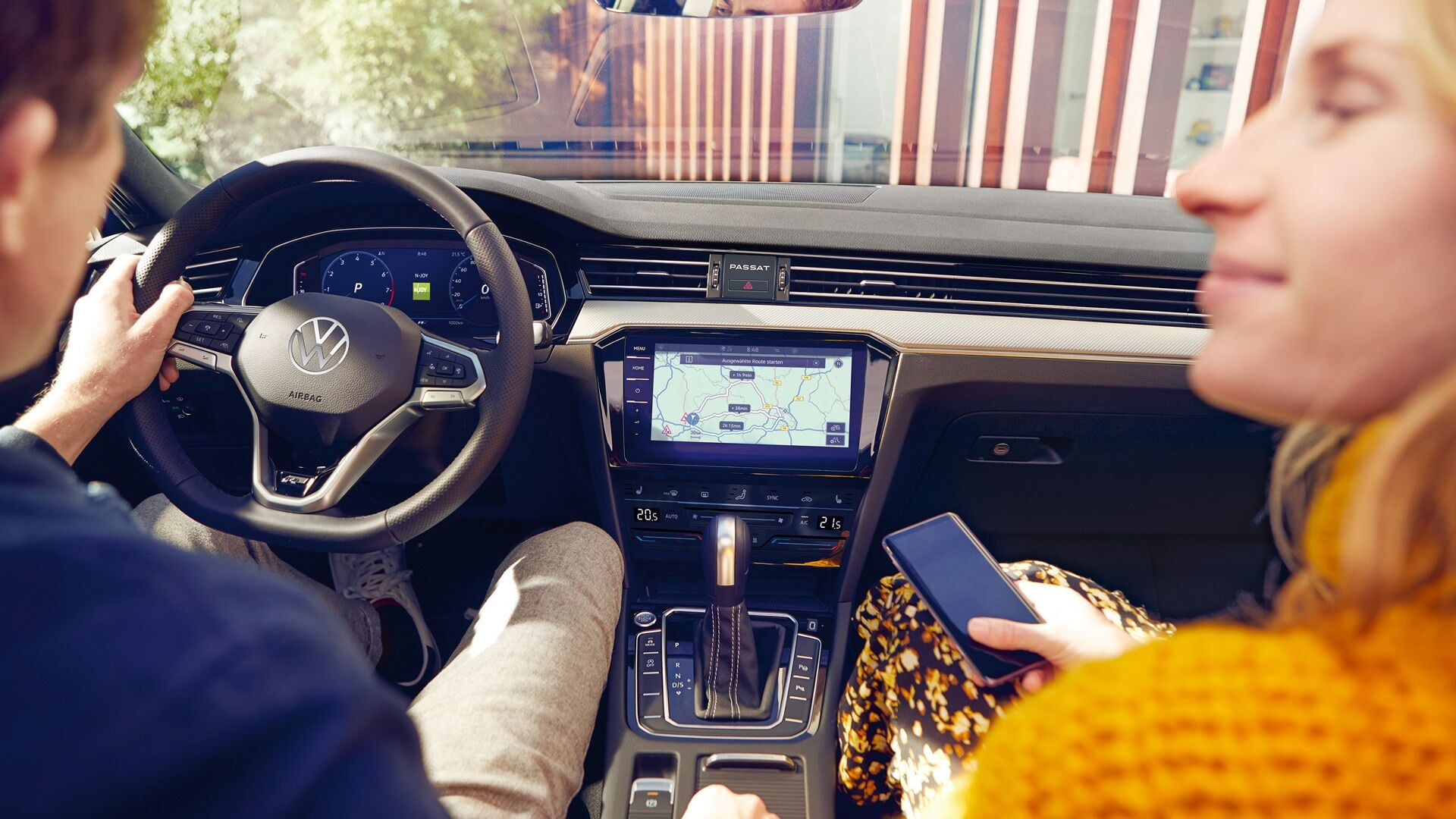 passat interior with people and discover pro map