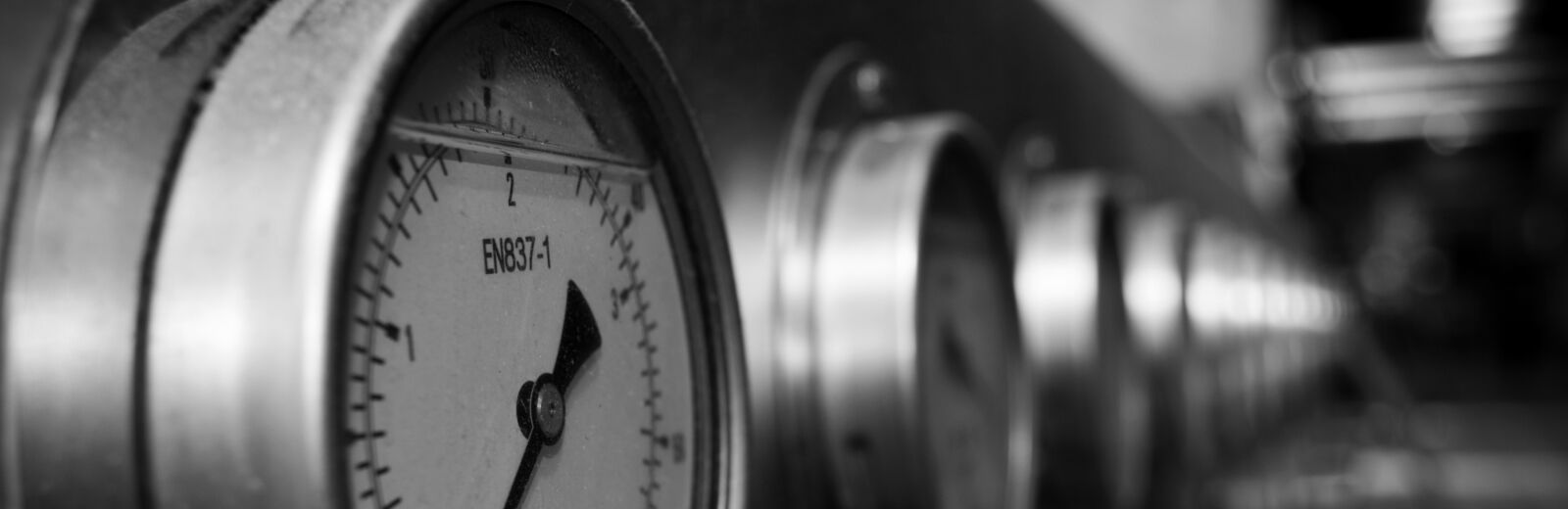 watch light black and white photography wheel number  pxhere
