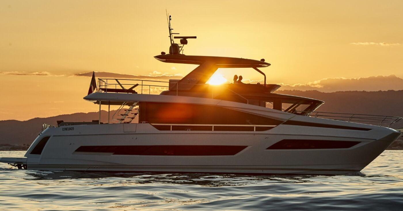 Prestige X70 Yacht 2