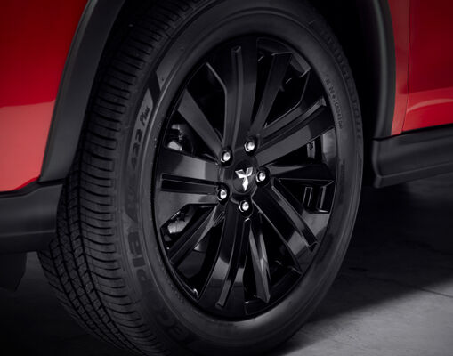 The black 18 inch alloy wheels are the finishing touch that sets ASX Black Edition apart.