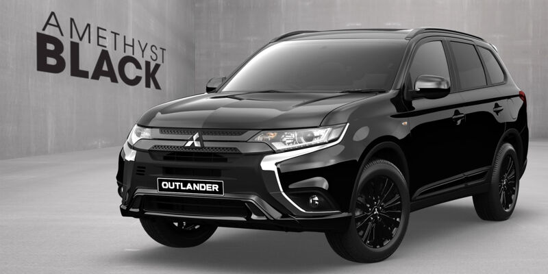 Enjoy all the great features and Factory-Fitted Black Body Kit in any paint option in the Outlander range.