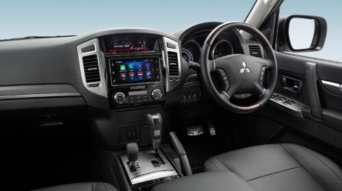 mitsubishi pajero cockpit