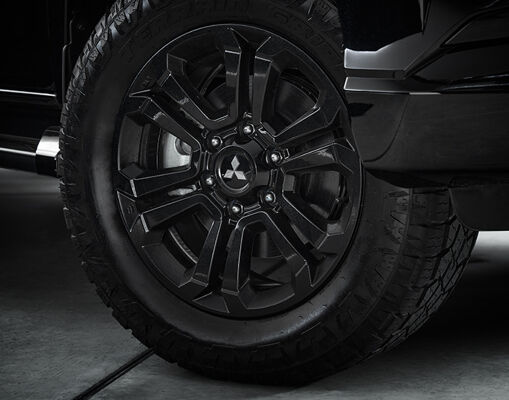Black 18 inch alloy wheels perfectly compliment the factory-fitted black body kit and are tough enough for the harshest conditions.